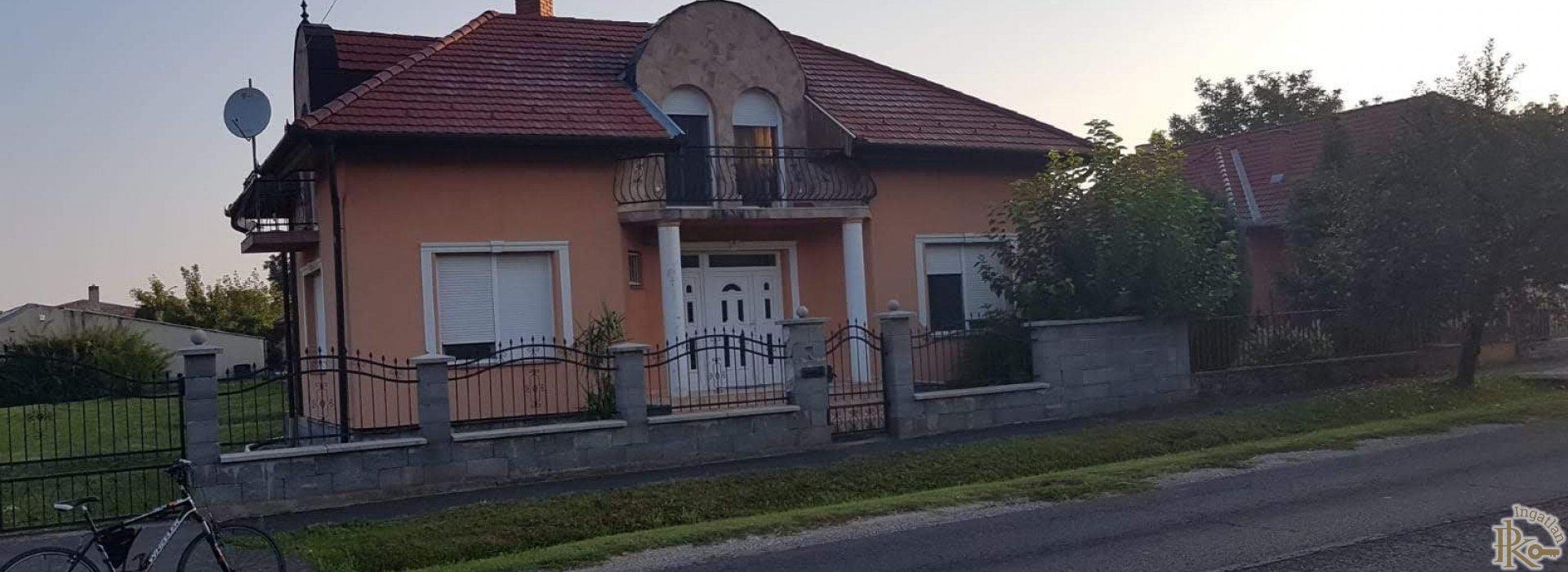Kaposvár, Állomás utca 24.