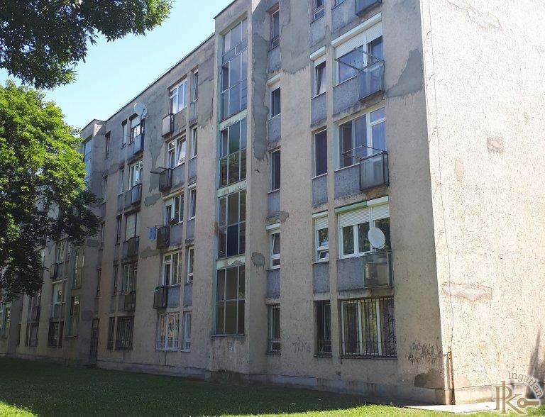 Kazincbarcika, Tavasz utca 13.