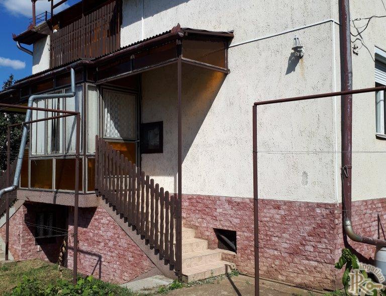 Debrecen-Józsa, Nyáry Pál utca 52.
