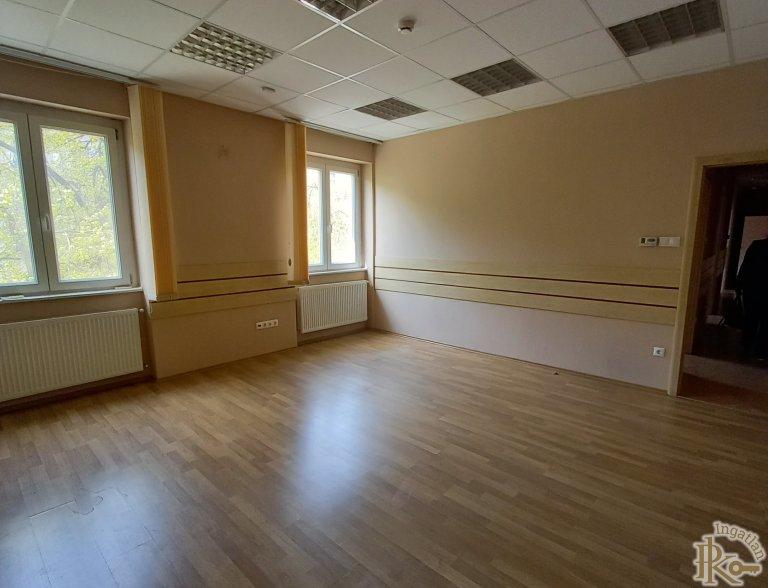 Debrecen, Piac utca 66. emelet