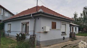 Gyöngyös, Thököly Imre utca 8.